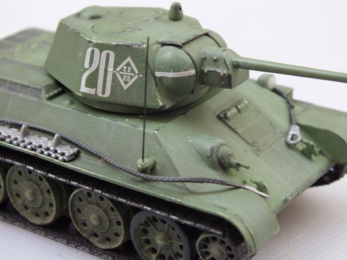 Zvesda 1/72 Soviet Medium Tank T-34/76 Model 1943 (5001) Build Review